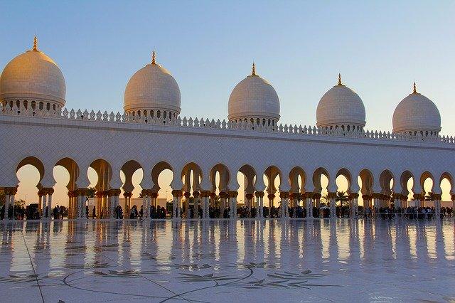 Cerita Panjang Dibalik Sejarah Masjid Cordoba Sebagai Tempat Ibadah Berbagai Umat